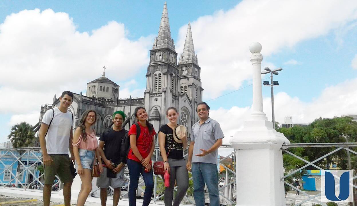Alunos do Curso de Arquitetura e Urbanismo da Unichristus visitam centro histórico de Fortaleza