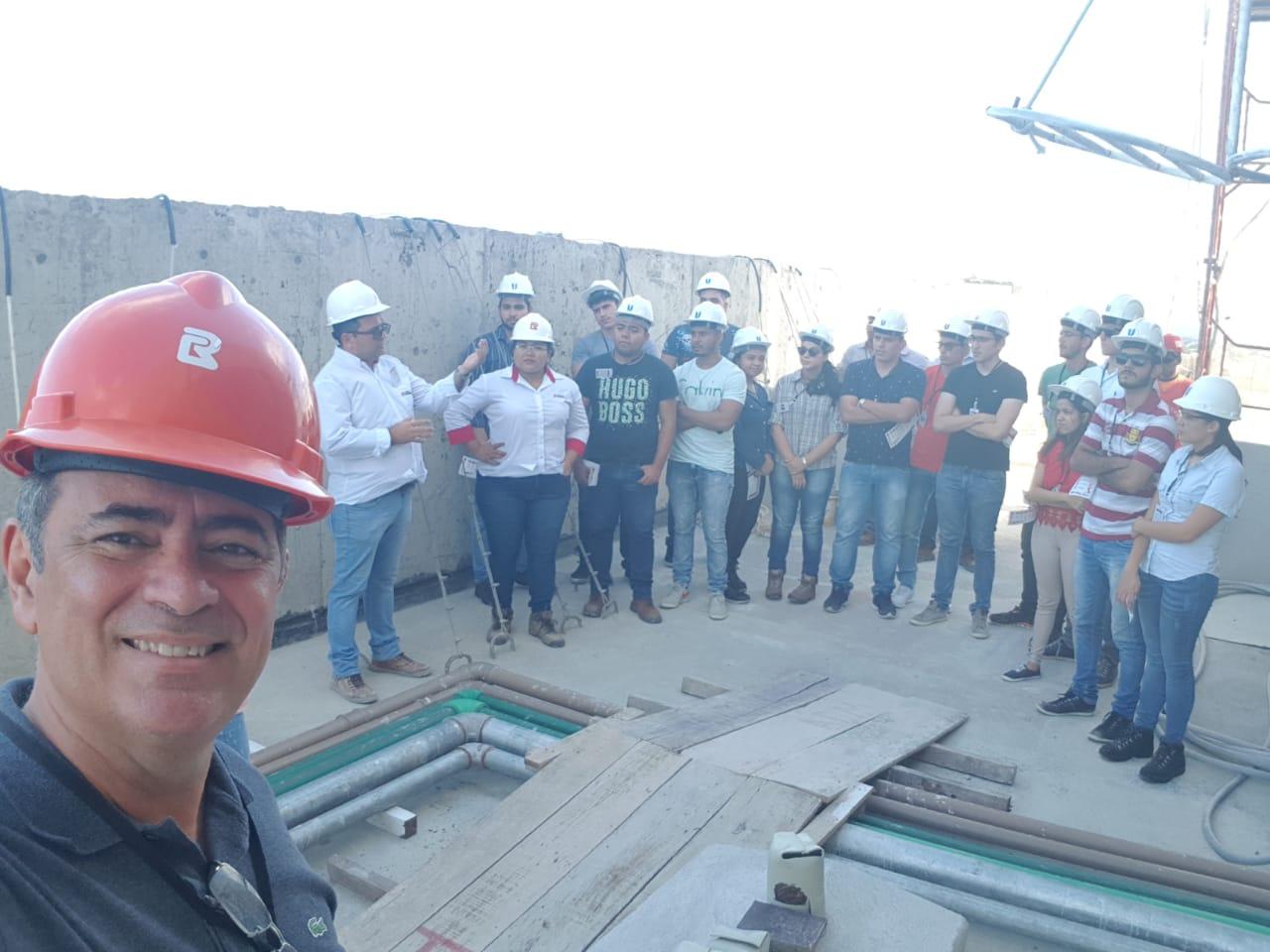 Alunos do Curso de Engenharia Civil visitaram a obra Terraços do Bosque (C.ROLIM)