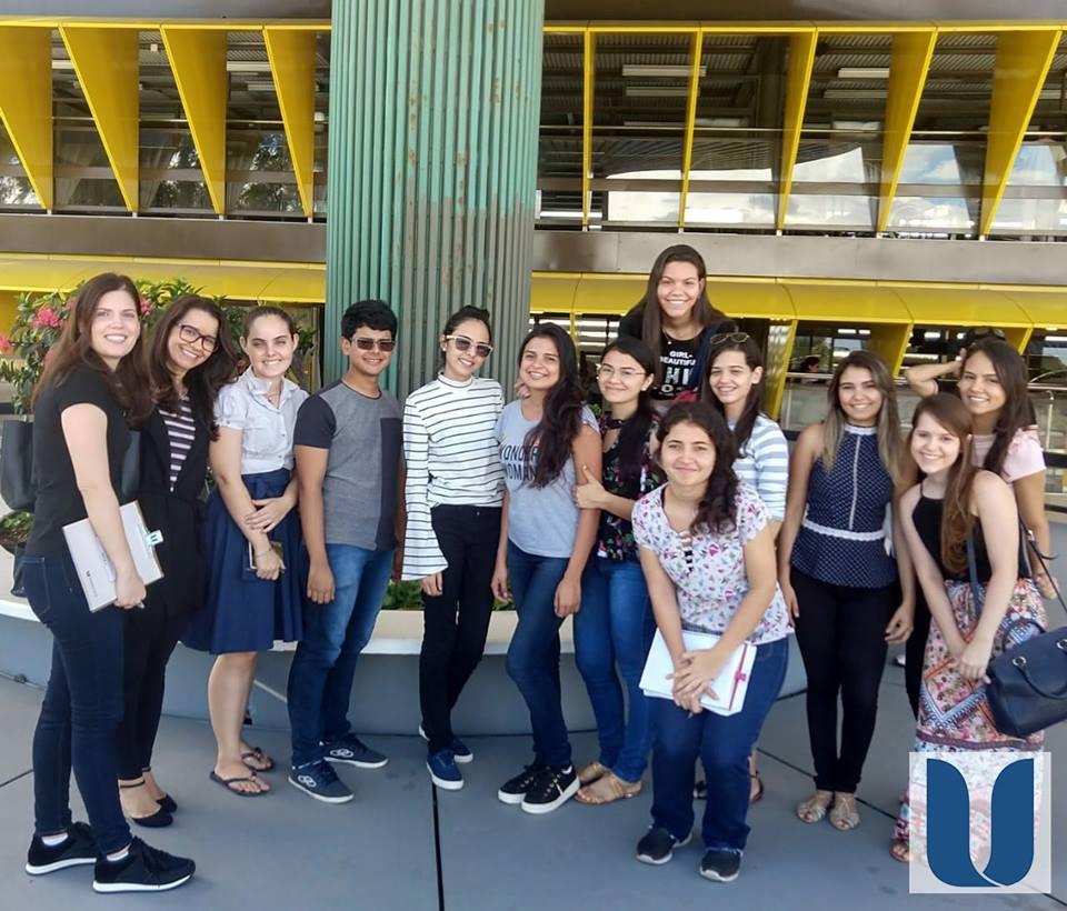Os alunos dos Cursos de Arquitetura e Urbanismo e Engenharia Civil visitaram o Hospital Sarah Kubitschek