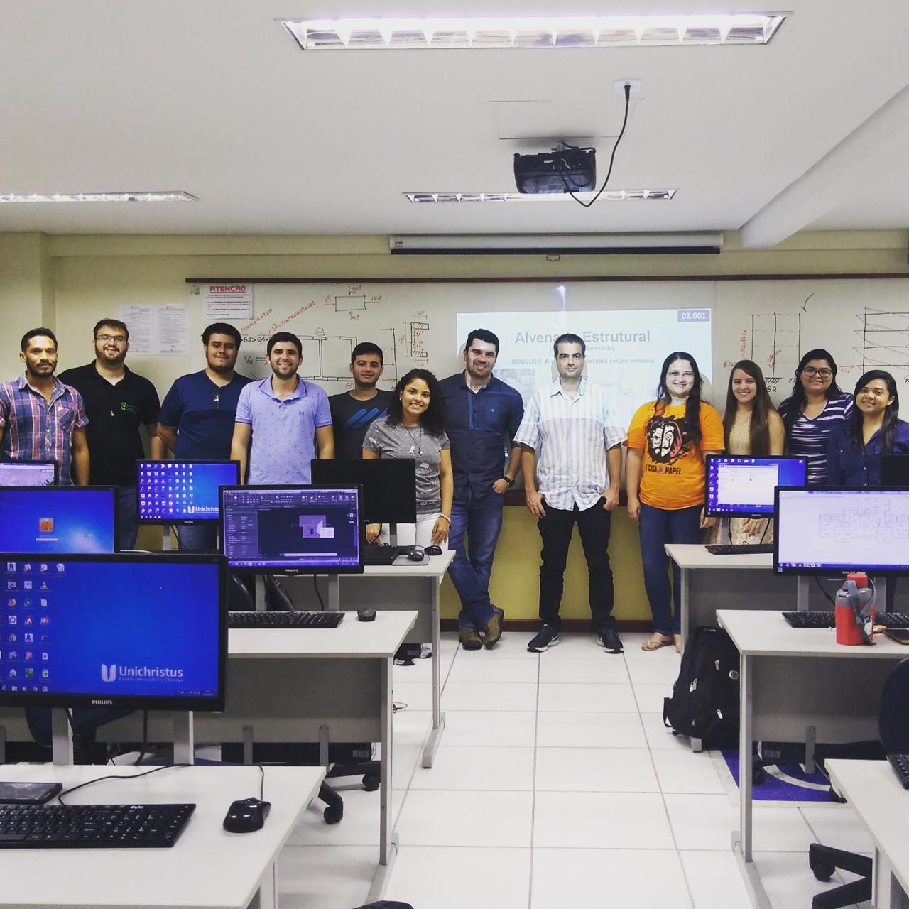 Os alunos do Curso de Engenharia Civil da Unichristus participaram do Curso Projeto de Alvenaria Estrutural